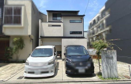 A house near Keihan-Sanjo station and Heian Shrine
